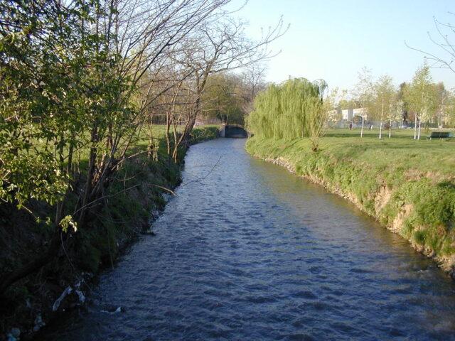 I corsi d'acqua emettono anidride carbonica nell'aria